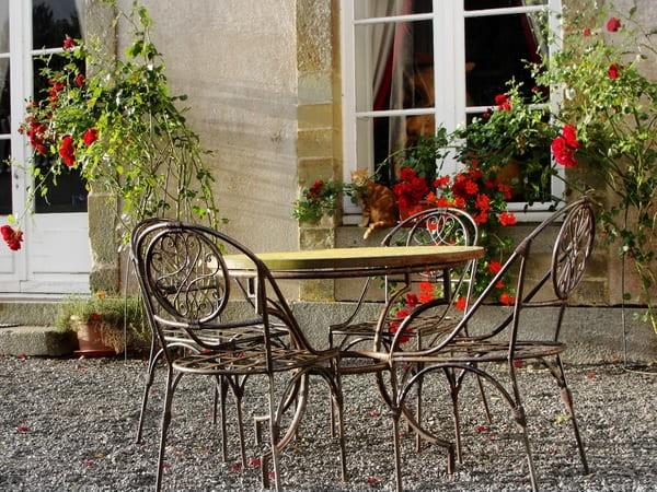 Кованная металлическая мебель