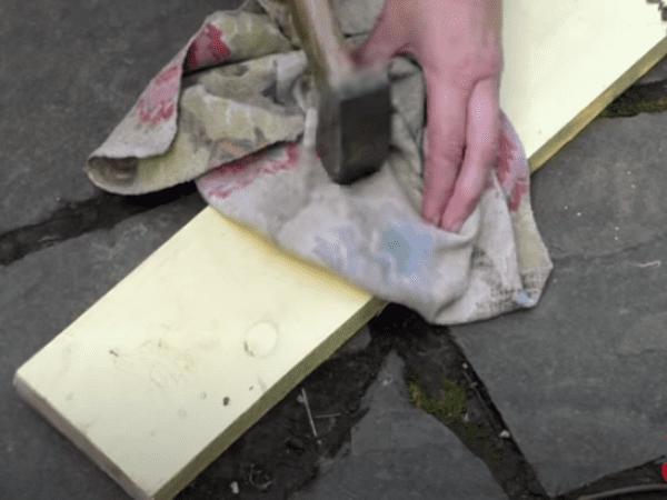 процес приготовления (измельчения).банановой кожуры